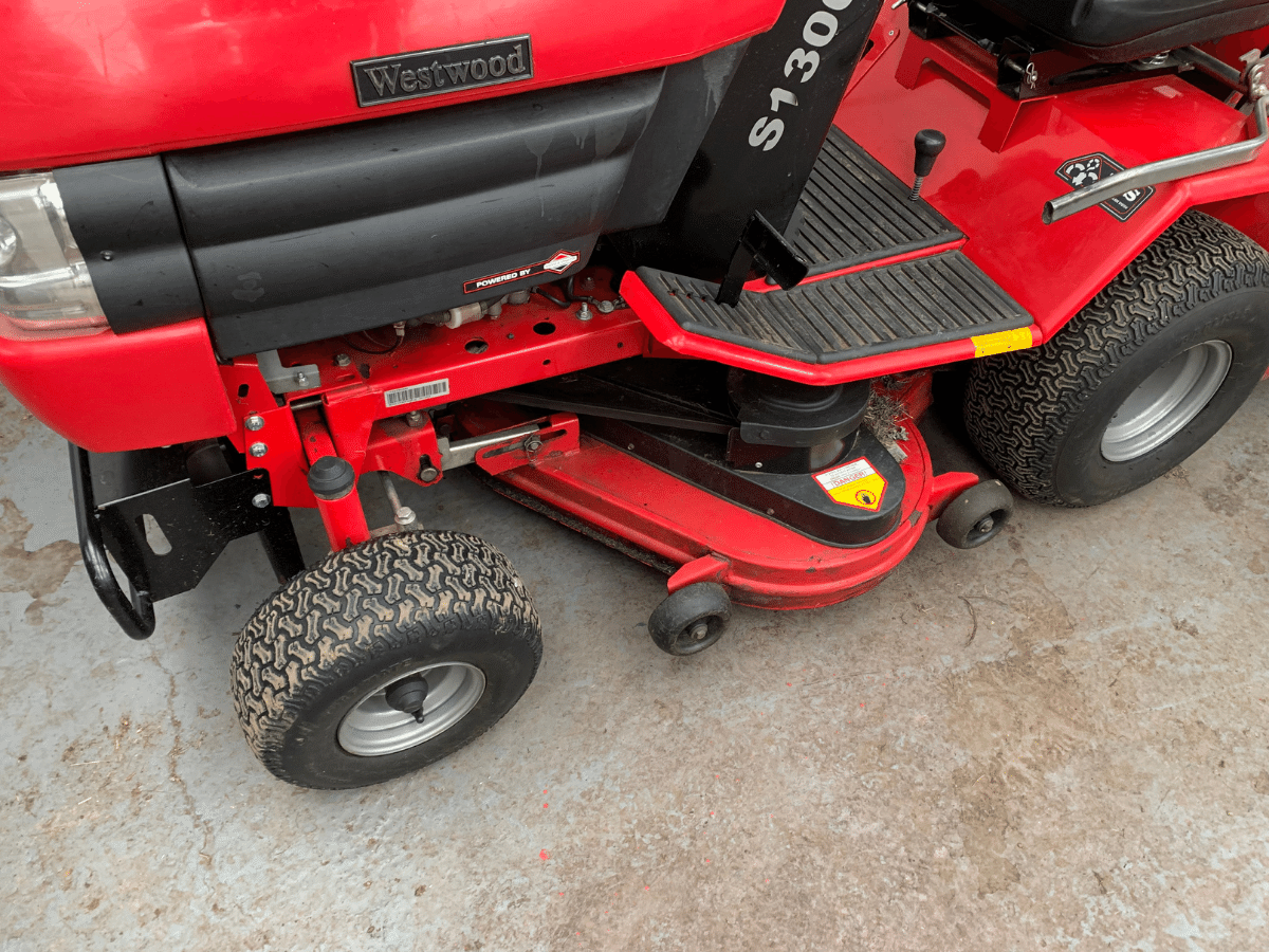 Westwood S1300 mower for sale. £2250 (1)